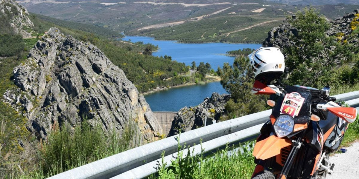 """The Estrela 2000 - A massive """"big bike"""" roadbook adventure"""